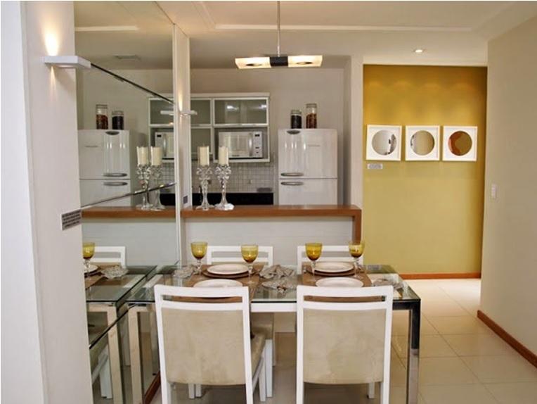 salas de jantar com espelho simples e modernas