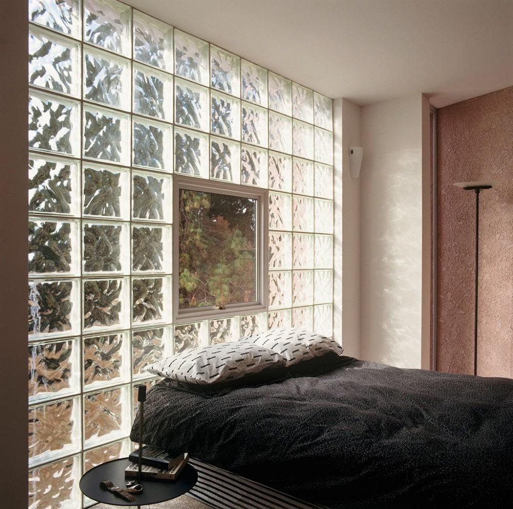 blocos de vidro no quarto