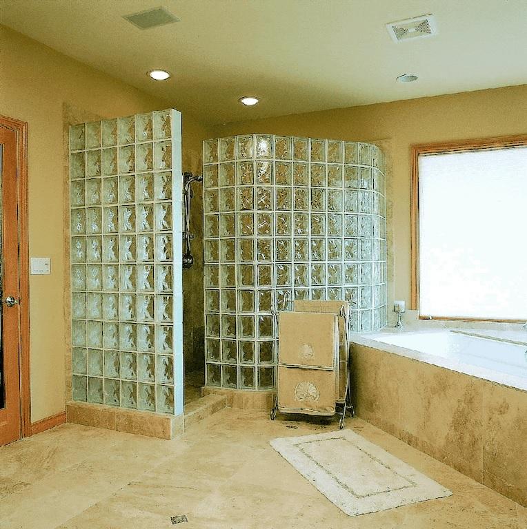 tijolo de vidro banheiro