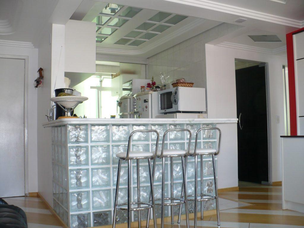tijolo de vidro cozinha americana