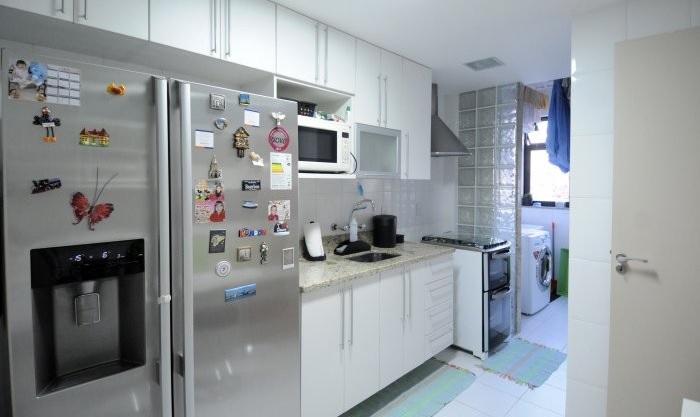tijolo de vidro na cozinha