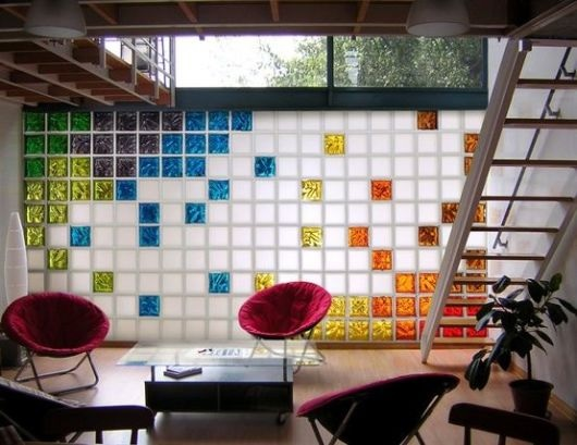 tijolos de vidro coloridos