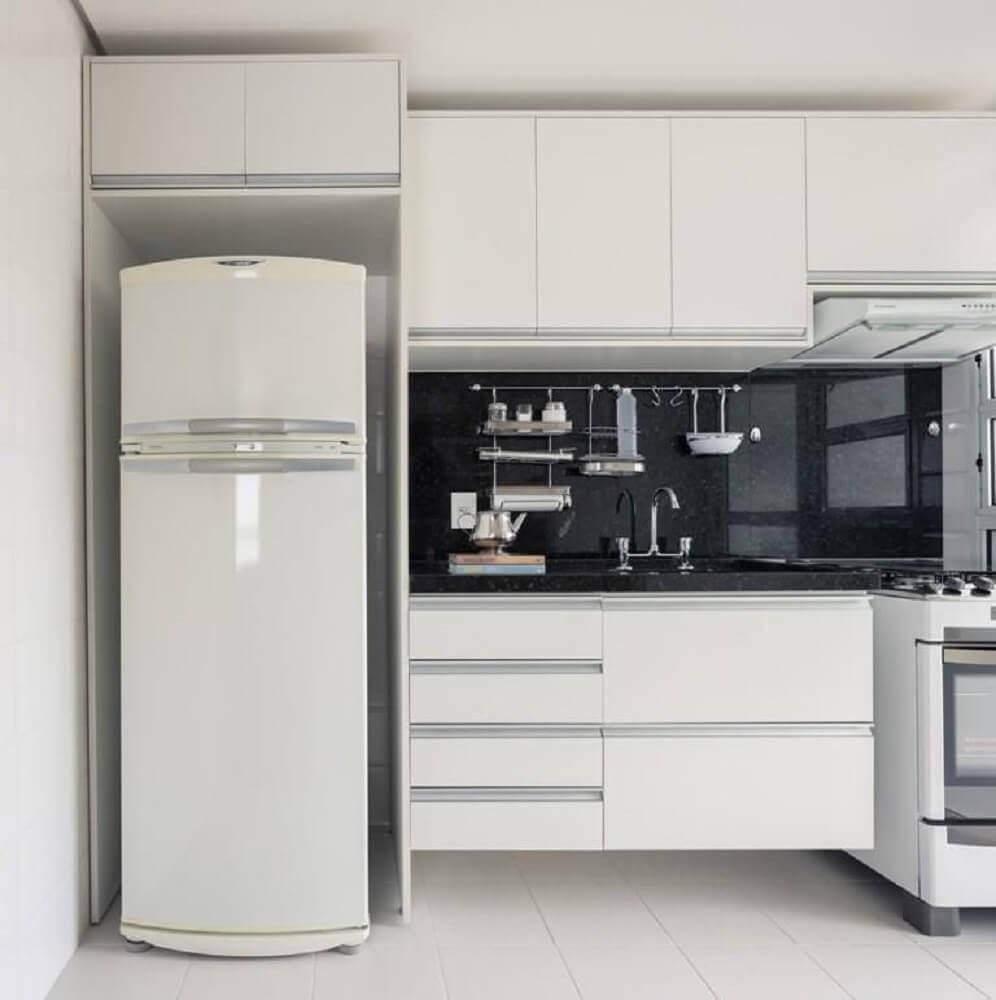 armario de cozinha pequeno branco