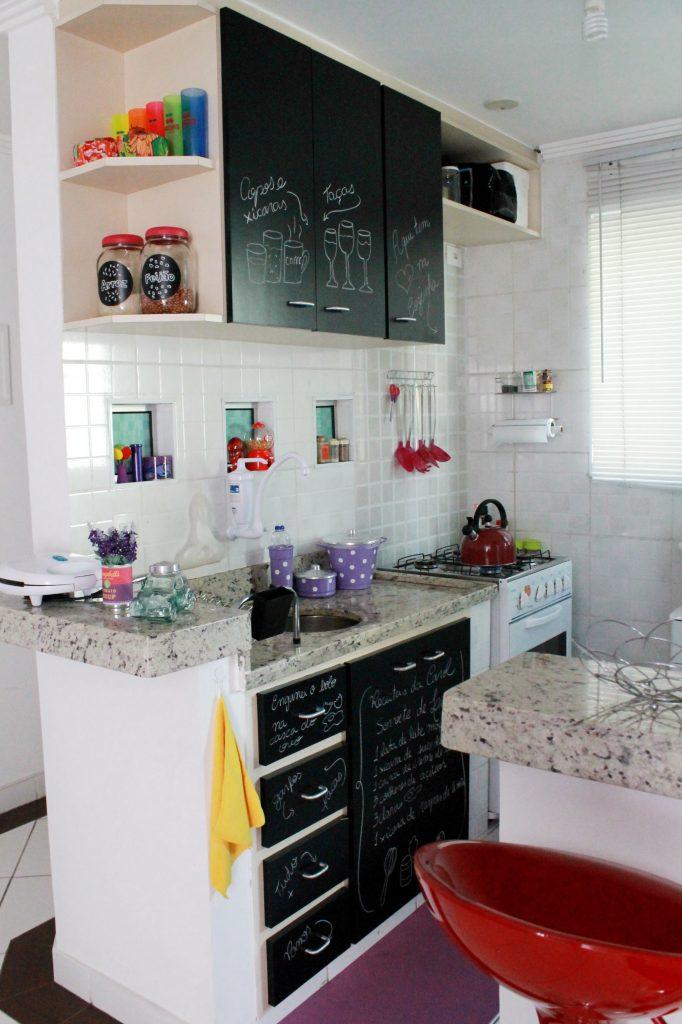 armario de cozinha pequeno e simples