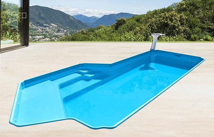 piscina de fibra pequena e acima do solo