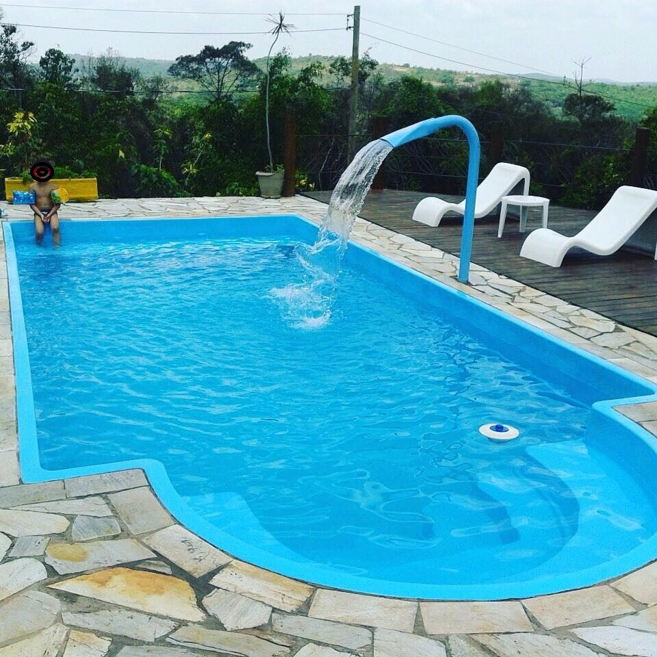 Piscina de fibra pequena 34 ideias com pre os e fotos for Piscina e maschile o femminile