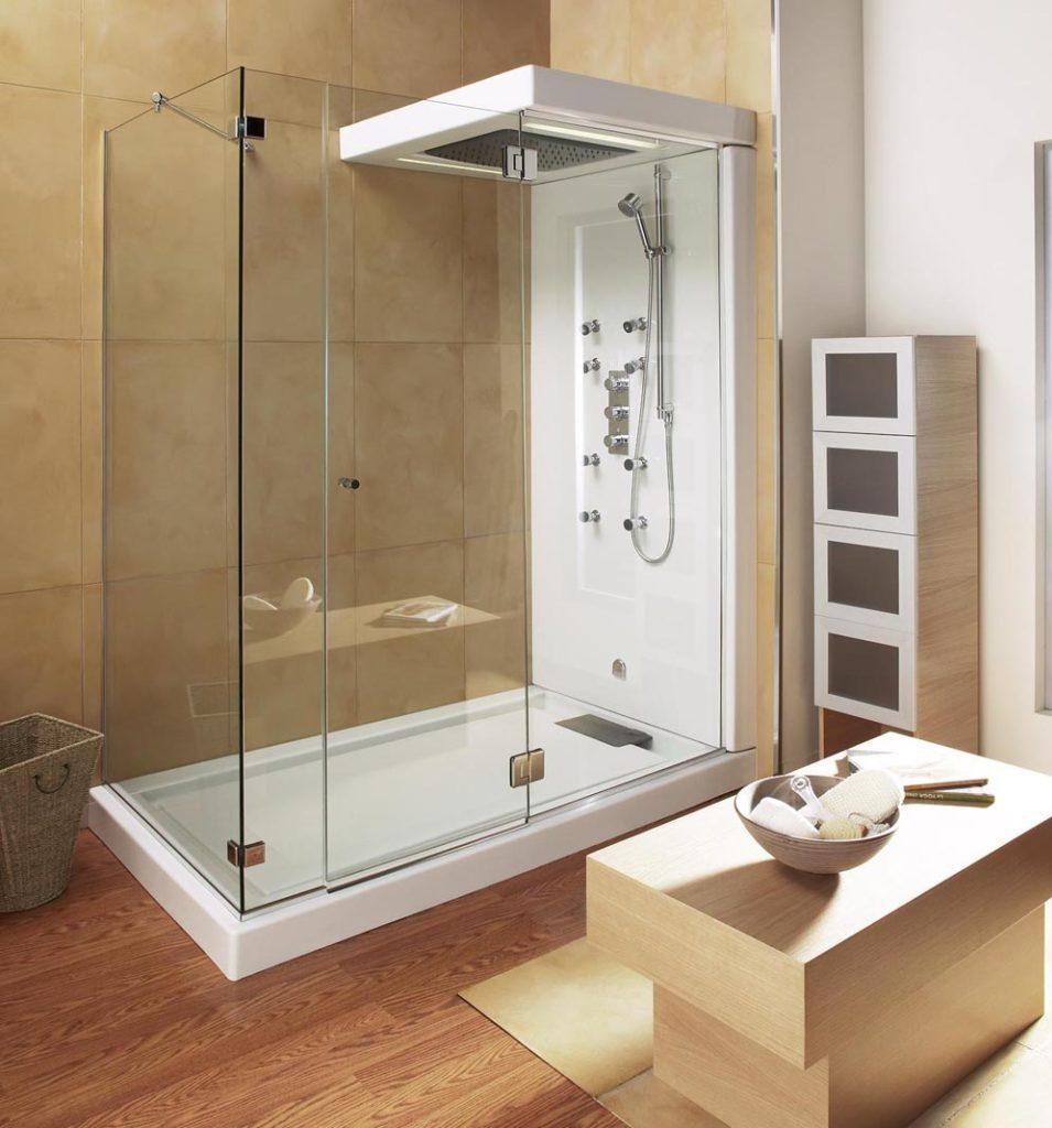 banheiro pequeno com box e sauna