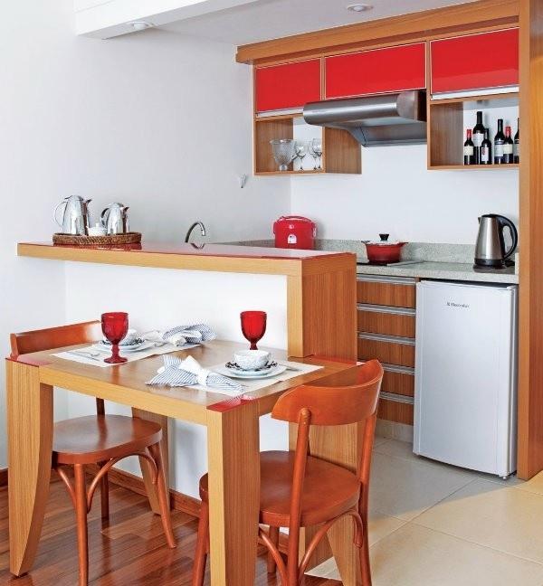 cozinha planejada em madeira