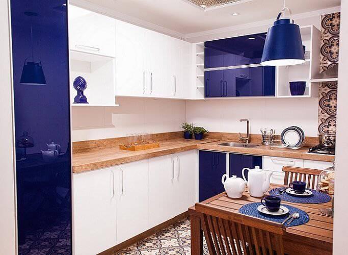 cozinha planejada pequena e moderna