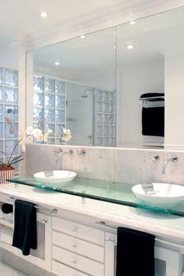 armario com espelho para banheiro