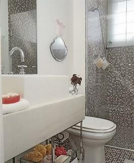 banheiros com pastilhas de vidro