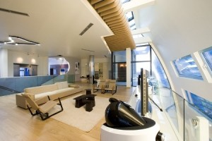 casas modernas interiores com muito espaço