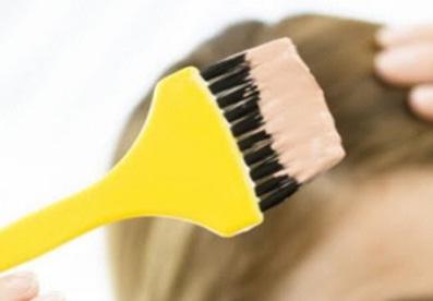 como remover tinta de cabelo da pele