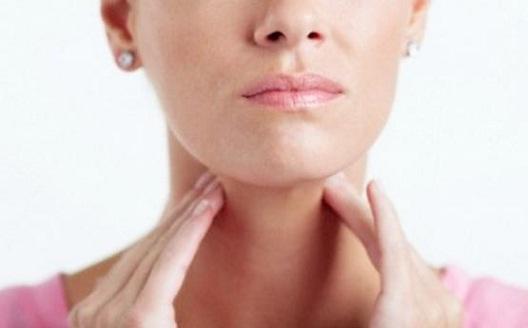 garganta inflamada sintomas