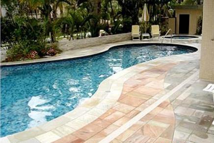 revestimentos para piscinas de fibra e azulejo