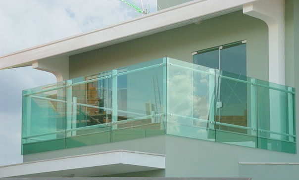 sacadas de vidro m2 colocado preco