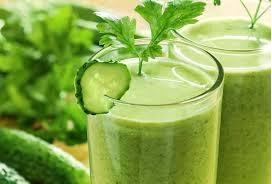 suco verde de couve com laranja
